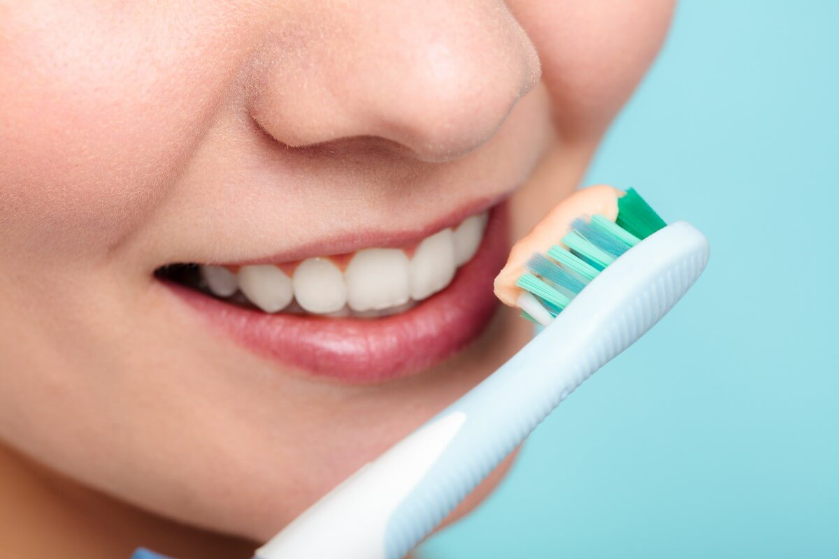 Meet The Toothbrush That Cleans Your Teeth In 10 Seconds